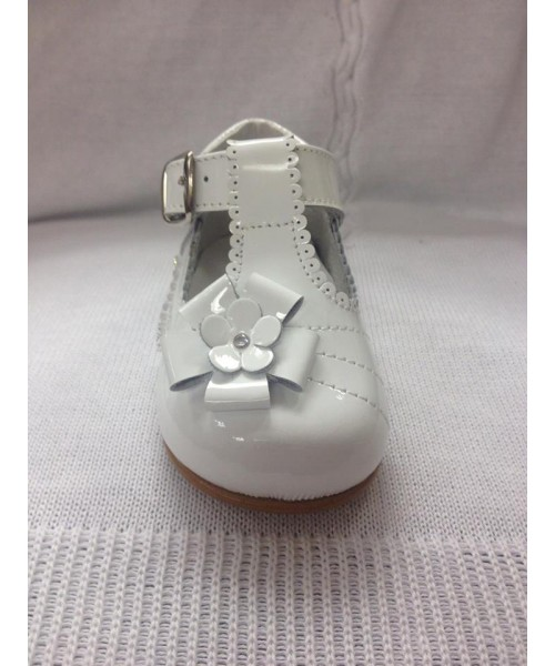 Pretty Originals Girls  White Patent Shoes