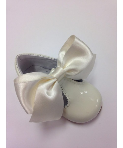 Pretty Originals Cream Patent T-Bar Bow Shoe